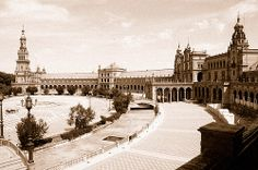 Plaza de España en sepia   Excursions in Barcelona Excursions in Barcelona Holidays in Barcelona Sightseeing tours, airport transfers, taxi, interpreter and your personal guide in Bar