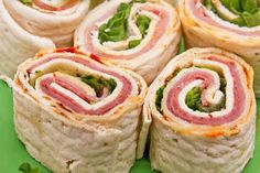 8 different Pinwheel recipes.i love pinwheel recipes! Think Food, I Love Food, Food For Thought, Good Food, Yummy Food, Delicious Recipes, Tapas, Finger Food Appetizers, Appetizer Recipes