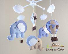 Bebé móvil  móvil de cuna de bebé  globos y nubes elefantes