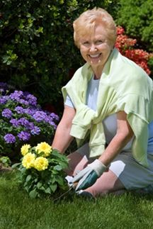 Plant a Memory Garden - One of our Top 10: Activities To Do With a Sick or Dying Loved One.  Make sure to check out the other great activities on this list!  #death #caregiving #aging #activities