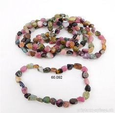 Bracelet Tourmaline toutes couleurs 5 - 7 mm, élastique 19 cm Beaded Bracelets, Jewelry, Pink, Crystals, Blue, Colors, Minerals, Armband, Jewlery