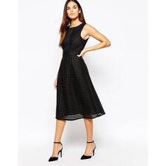 Discover the latest evening dresses collection with ASOS. Shop for short, midi or long evening dresses from the range of colours and styles at ASOS . Summer Dress Outfits, Casual Summer Dresses, Nice Dresses, Short Dresses, Formal Dresses, Gala Dresses, Evening Dresses, Latest Outfits, Fashion Outfits