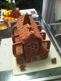 Way back in the halcyon university days, a friend and I decided to try out some serious architecture from gingerbread. Obviously we had a mock up cottage (primarily for the purposes of eating it). ...