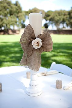 burlap bow with fabric flower