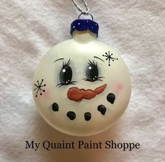 54 Trendy Ideas Painting Christmas Lights Glass Ornaments 54 Trendy Ideas Painting Christmas LightsYou can fin. Christmas Ornaments To Make, Snowman Ornaments, Diy Christmas Gifts, Christmas Art, Christmas Tree Decorations, Holiday Crafts, Christmas Bulbs, Ornaments Ideas, Snowman Pics