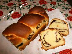 Vi consiglio il cozonac, un dolce tipico rumeno molto profumato e buono che si serve sopratutto alla Pasqua ma anche quando si ha voglia di una delizia