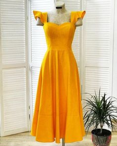 The one dress you need to buy this summer - yellow dress summer trend Modest Fashion, Fashion Dresses, Dress Skirt, Dress Up, Casual Dresses, Summer Dresses, Yellow Dress Outfits, Yellow Clothes, Skater Outfits