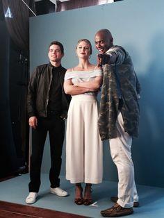 "Chyler Leigh on Twitter: ""These guys... ❤️ #MelissaBenoist #MehcadBrooks #JeremyJordan #Supergirl #SDCC2016"