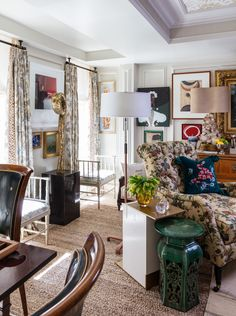 Kip's Bay Decorator Show House 2018 | The Well Appointed House Design, Fashion and Lifestyle Blog Hickory Chair, Interior Design Boards, Rug Company, Granny Chic, Farrow Ball, Architectural Digest, Hawks, Gallery Wall, House Design