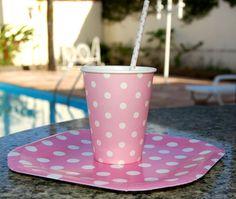 Copos e pratos poá rosa. Apenas R$7,95 - 8 unds #copos #festa #coposdepapel #festarosa #poá #rosa #vintage