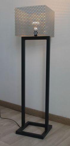 Lampe design tôle perforée métal peinture thermolaquée