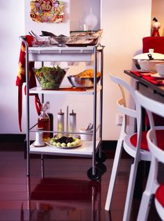 More help serving? BYGEL cart has a reversible top that can be used as a tray. Stow all the trimmings below.