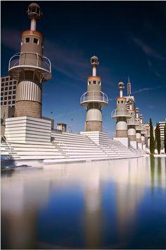 Minder bekend maar zeker de moeite waard: het Parc de l'Espanya Industrial http://bezoekbarcelona.blogspot.com/2011/06/parc-de-lespanya-industrial.html