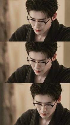 Lee Jong Suk ❤❤ 'Romance is a bonus book' Drama ^^ Korean Celebrities, Korean Actors, Taemin, Lee Jong Suk Wallpaper, Jong Hyuk, Lee Jong Suk Cute, Kang Chul, Lee Young, W Two Worlds