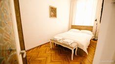 Apartament Stefan Cluj-Napoca — Travelminit.ro Bed, Furniture, Home Decor, Decoration Home, Stream Bed, Room Decor, Home Furnishings, Beds, Home Interior Design