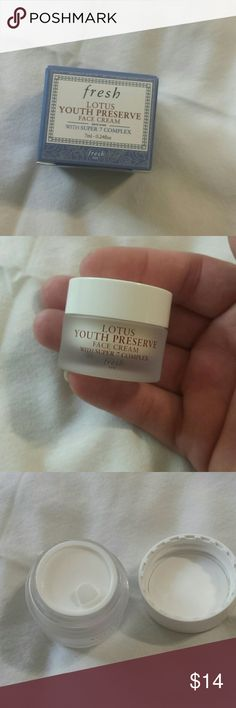 Fresh youth preserve face cream 7ml fresh lotus youth preserve face cream new everything comes from a smoke free home bundle and save on shipping Fresh Makeup
