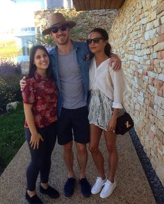 Michael Fassbender and Alicia Vikander with a fan in Cape Town in Aplil 2017 Teenage Girl Outfits, Outfits For Teens, Summer Outfits, Tween Girls, Elle Fashion, Teen Fashion, Teenager Fashion, New Fashion Clothes, Fashion Outfits