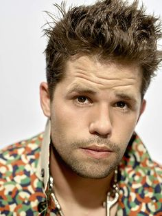 Carver Twins, Max Carver, Max And Charlie Carver, Teen Wolf Cast, Boy Hairstyles, Actor Model, Celebs, Celebrities, Hot Men