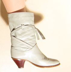 Vintage 1980s Grey Leather Boots / 80s Boots with Criss Cross Straps and Stacked Heel / 6 1/2 by BasyaBerkman on Etsy