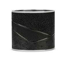 Bracelets de force Givenchy http://www.vogue.fr/joaillerie/shopping/diaporama/bracelets-de-force-hermes-marc-deloche/16063/image/877842#!bracelets-de-force-givenchy