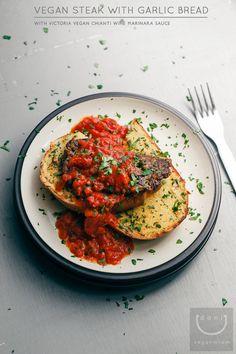 Vegan Steak with Garlic Bread + Chianti Wine Marinara | vegan miam