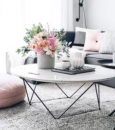 Modern Coffee table w/ an elegant flower display  : Immy and Indy