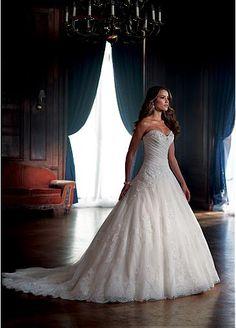 Superbe dentelle et tulle et satin A-ligne encolure d'amoureux de robe de mariée avec dentelle perlée Appliques