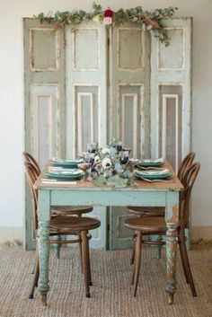 Shabby chic dining room ideas décor colors furniture and accents that characterize a Shabby Chic design along with a handful of pictorial examples Shabby Chic Dining Room, Chic Kitchen, Chic Furniture, Chic Dining Room, Chic Home Decor, Shabby Chic Decor, Shabby Chic Homes, Home Decor, Farmhouse Decor Living Room