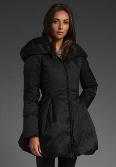 ALICE + OLIVIA Blakely Puffer Coat in Black at Revolve Clothing #ao
