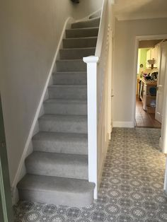Hallway with grey patterned Lino (ultragrip buzz Lisbon and l house. Hallway with grey patterned Lino (ultragrip buzz Lisbon and l Grey Stair Carpet, Grey Carpet Hallway, Grey Hallway, Carpet Staircase, Hall Carpet, Diy Carpet, Carpet Ideas, 1930s Hallway, Carpet Decor
