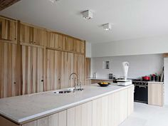 Obumex | Classic Kitchen | Spacious | Wood | Kitchen Island | Architect