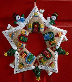 Bucilla Gingerbread Wreath ~ Felt Christmas Home Decor Kit #86677, House, Candy