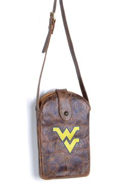 The West Virginia University purse from Gameday Boots is the perfect accessory for a Mountaineers tailgater, game or party. Step out with this West Virginia purse and show your pride in the Mountainee
