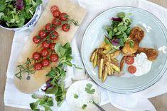 fiskepinner og pommes frites