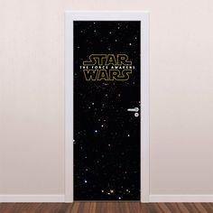 Adesivo decorativo para porta Star Wars é um adesivo ideal para decoração de portas. Decore sua casa com adesivos de porta e personalize seu ambiente com...