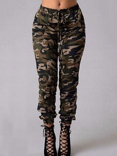 Shop ur Collection of Women's Pants at chicloth for the Latest Styles, Trousers Women, Pants For Women, Chic Outfits, Fashion Outfits, Womens Fashion, Camouflage Jeans, Jeans Denim, Jeans Fit, Jeans Style