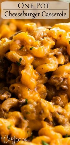 beef dishes This Cheeseburger Casserole is an easy 30 minute meal that you can make in One Pot! Your family will love this homemade hamburger helper! Crockpot Recipes, Cooking Recipes, Skillet Recipes, Cooking Gadgets, Pizza Recipes, Casserole Recipes, Homemade Hamburger Helper, Easy Recipes With Hamburger, Cheeseburger Casserole