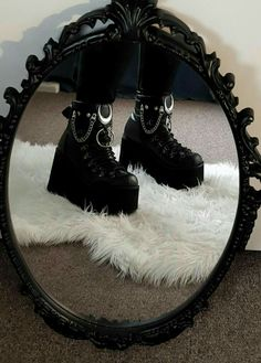 You are in the right place about grunge goth wallpapers Here we offer you the most beautiful picture Grunge Outfits, Grunge Shoes, Goth Shoes, Edgy Outfits, Cute Outfits, K Fashion, Grunge Fashion, Gothic Fashion, Fashion Shoes
