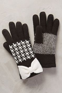 herringbone bow gloves #anthrofave #anthropologie