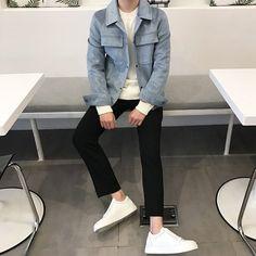 Pin by kozart on in 2019 moda masculina, ropa, mod Korean Fashion Trends, Korean Street Fashion, Korea Fashion, Trendy Mens Fashion, High Fashion Men, Fashion Moda, Fashion Styles, Boy Fashion, Fashion Fashion