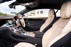 Bentley Continental Gt, Quilted Leather, Leather Pouch, Bentley Mulliner, New Bentley, Digital Instruments, Auto Motor Sport, Rugged Look, Brushed Metal