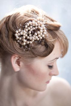 Vintage Bridal Pearl Hair Comb with Netting by annamainsdesigns, $115.00