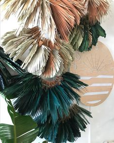 Palm frond installation by Ashley Renuart - Мир украшений Palm Wedding, Floral Wedding, Wedding Flowers, Boho Wedding, Dried Flowers, Paper Flowers, Flower Installation, Palm Fronds, Colour Pallete