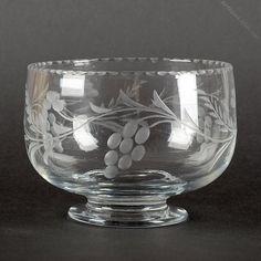 Antiques Atlas - Antique Glass Bowl Glass Etching, Antique Glass, Art Forms, Vines, Bowls, Baskets, Victorian, Glasses, Antiques