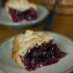Blackberry Recipes: Blackberry Sweetheart Pie