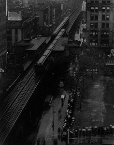 Edward Steichen: Bryant Park Breadline, New York, 1933