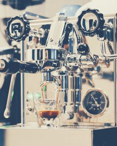 The Beginner's Guide To Espresso | The Coffee Folk Italian Espresso Machine, Home Espresso Machine, Cappuccino Machine, Coffee Room, Coffee Bar Home, Coffee Art, Homemade Iced Coffee, Coffee Bar Design, Home Coffee Machines