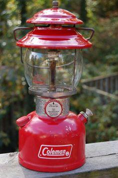 Vintage Coleman Lantern Model 200A