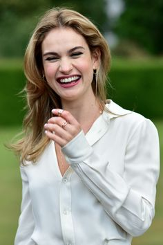 """elizabethoseln: """"Lily James attends The Ralph Lauren & Vogue Wimbledon Summer Cocktail Party hosted by Alexandra Shulman and Boris Becker at The Orangery at Kensington Palace on June 2015 in. British Actresses, Actors & Actresses, Actress Lily James, Hollywood Celebrities, Woman Crush, Girl Crushes, At Least, Hair Cuts, Celebs"""