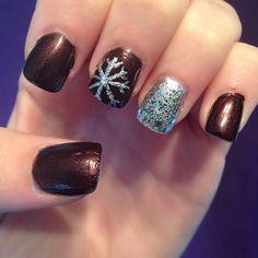 Dark snowflake winter nails -don't like the base colour, but love the idea